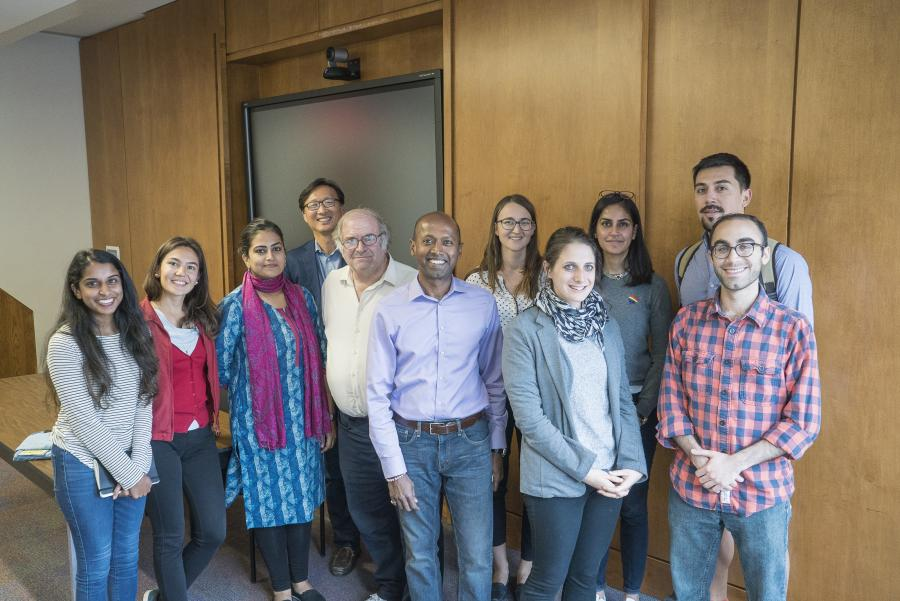 Frugal Innovation with Navi Radjou (center) with attendees including moderator Dr Hollie Russon Gilman, professor David Park, and students, Aliya Bhatia, Malgorzata Resniack, Gabriel Guggisberg, and Priyanka Soni.