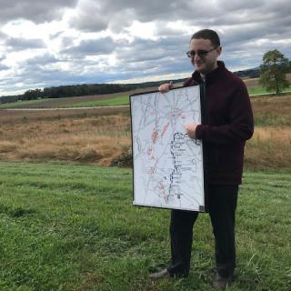 Maps of and graphics of the battlefield provided additional context throughout the tour.