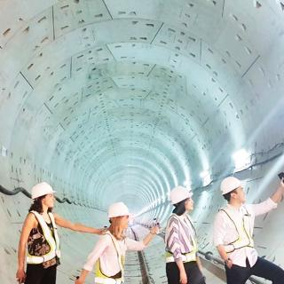 In Spring 2017, SIPA students visited Indonesia's first-ever mass rapid transit construction site. The visit is part of an EPD Workshop field work on assessing impact of urban infrastructure projects, with client the Beijing-based the Asian Infrastructure